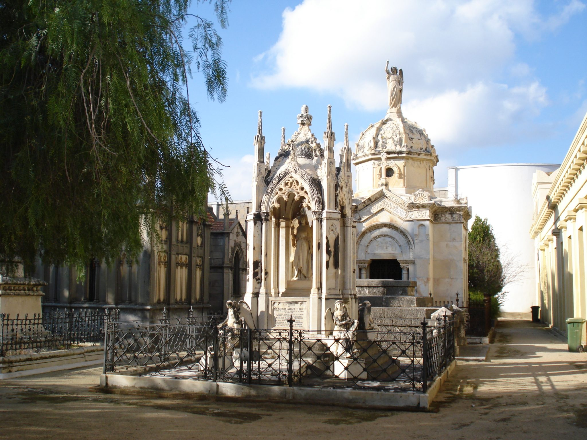 Municipal Cemetery of the Capuchins (Mataró, Barcelona)