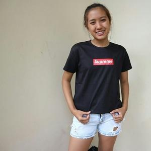 Kaos Supreme Bajakan