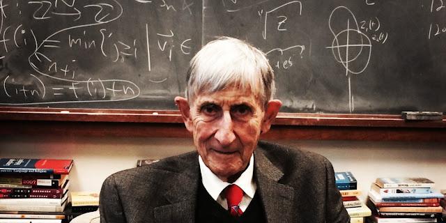 فريمان دايسون حياته ووفاته ونظرياته العلمية في الفيزياء والرياضيات