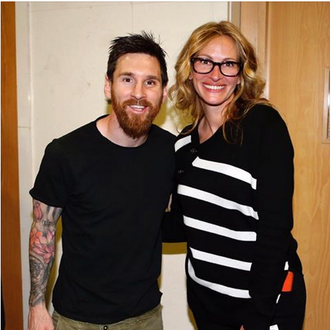 Hollywood actress julia roberts meets with messi and ronaldo after meet and greet with cristiano ronaldo lionel messi and the superstars of the el clasico rivalrylastly julia roberts was positively beaming throughout m4hsunfo Choice Image