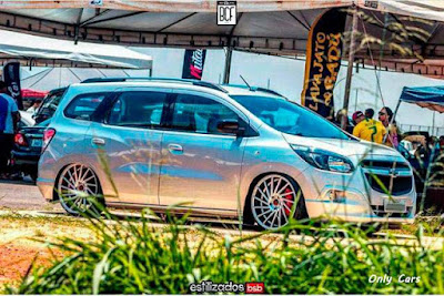 "Chevrolet Spin Rebaixada Aro 20"" com Som"