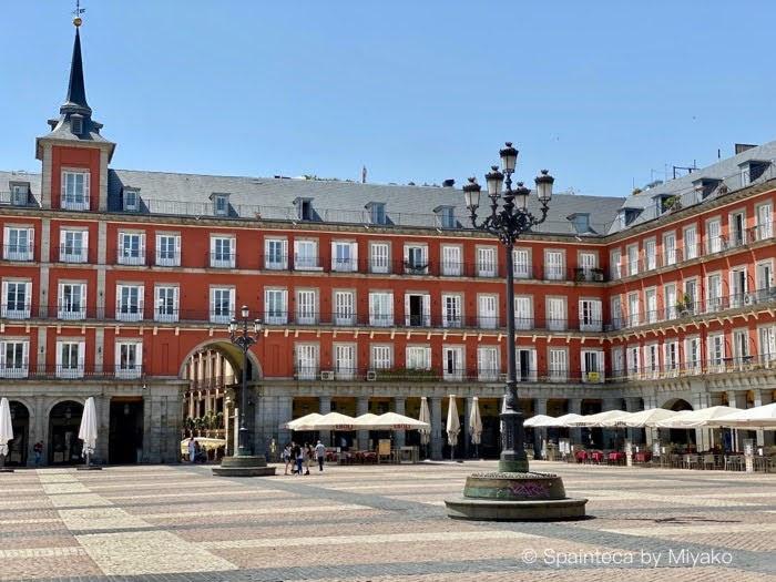 Plaza Mayor Madrid 緊急事態宣言が解除された後の人のいないマドリードのマヨール広場