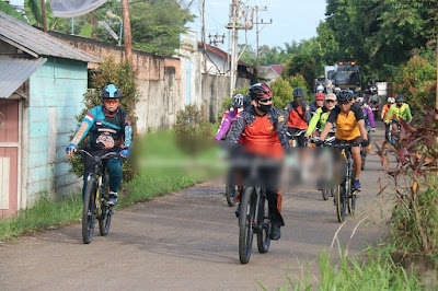 Meningkatkan Imun Kesehatan, Kapolda Jambi Laksanakan Gowes Gembira di Kota Jambi