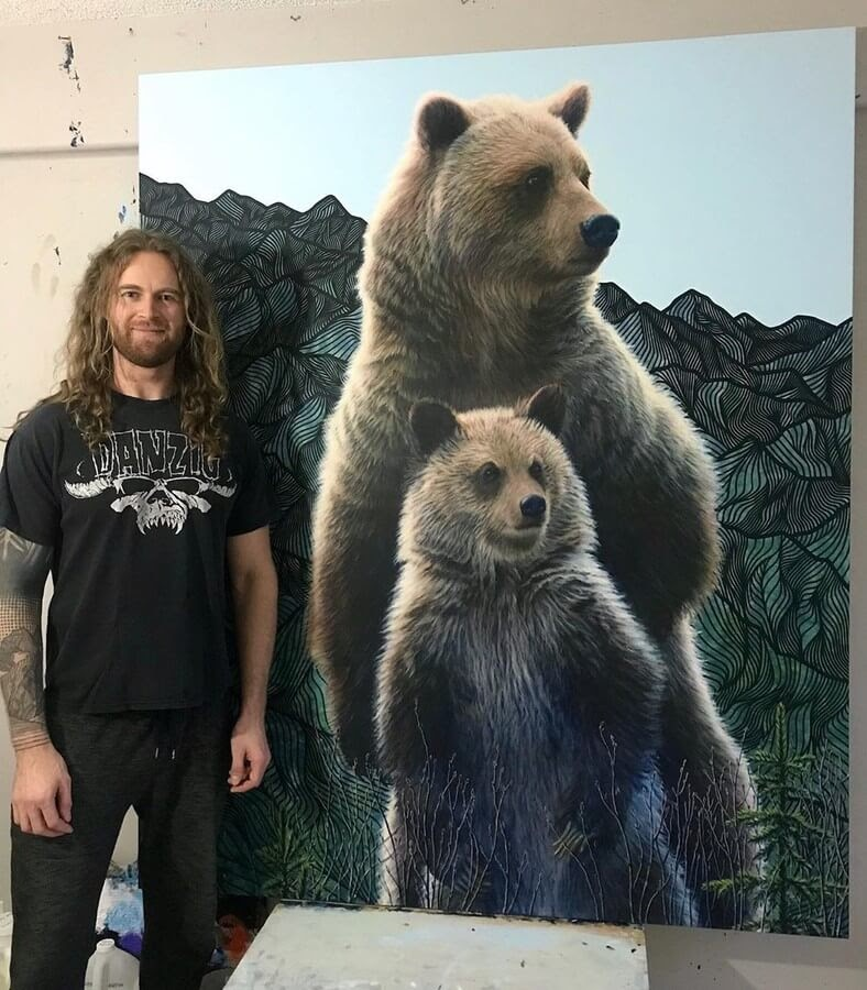 01-Grizzly-Bear-and-Cub-Regan-Johnston-www-designstack-co