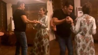 Salman Khan Dances with Mom Salma