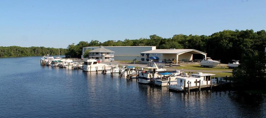 Marina en el Saint Johns River