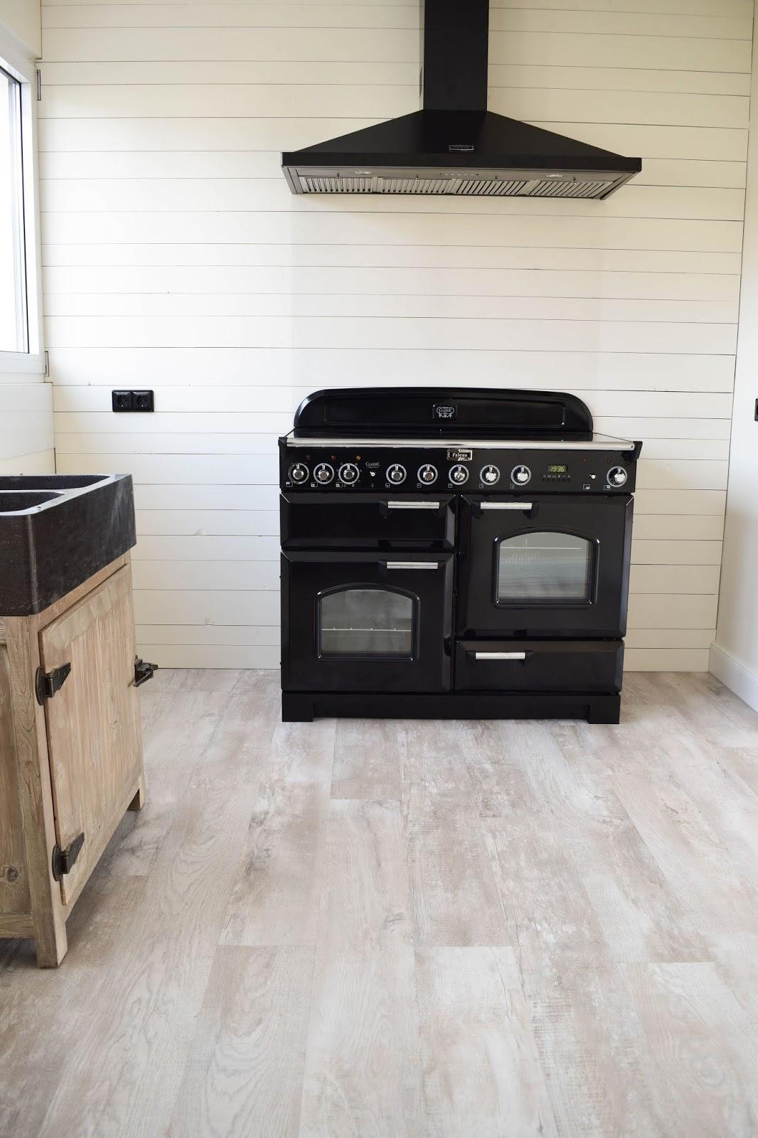Landhaus Küche Interior Country Kitchen Rangecooker Falcon nostalgischer Herd Nostalgie