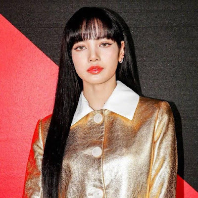 Lisa BLACKPINK Dandan Cetar di Milan Fashion Week