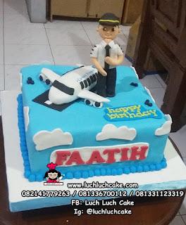 Kue Tart Ulang Tahun Pilot Pesawat Terbang