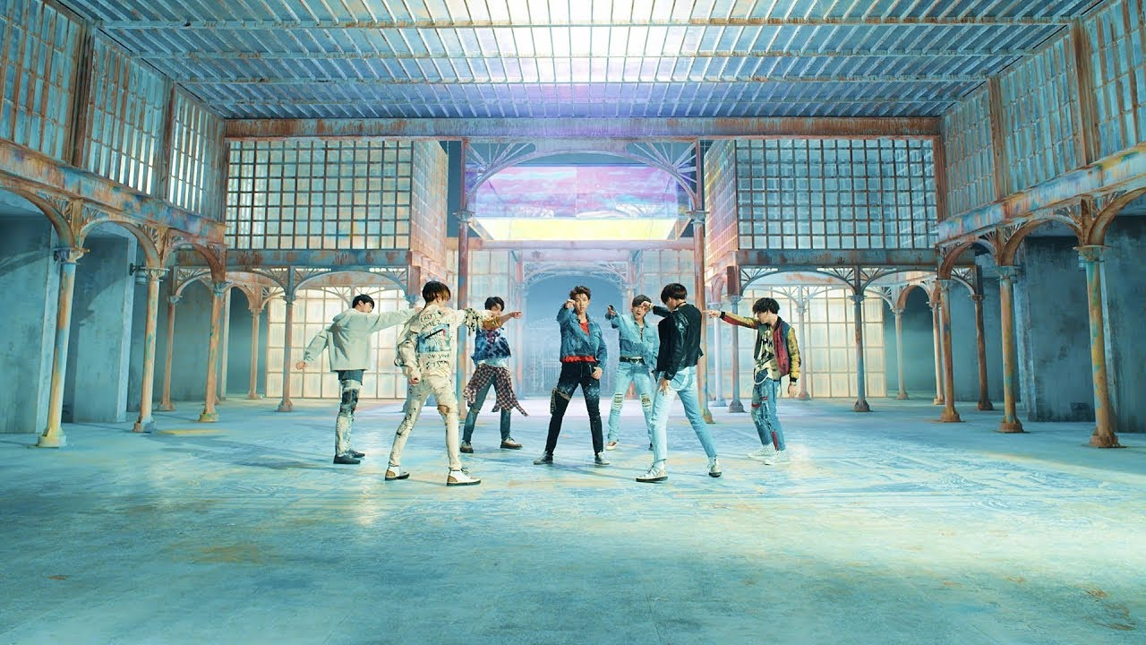 This Italian Singer is Criticized For Imitating BTS Song 'Fake Love'