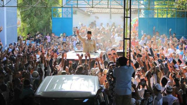 Prabowo Disambut Meriah Banser NU di Pesantren Tegal