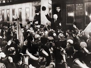Lenin recibido en olor de multitudes.