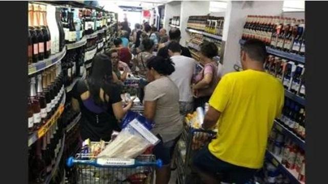Estoque de comida: medo do coronavírus provoca corrida a supermercados em João Pessoa