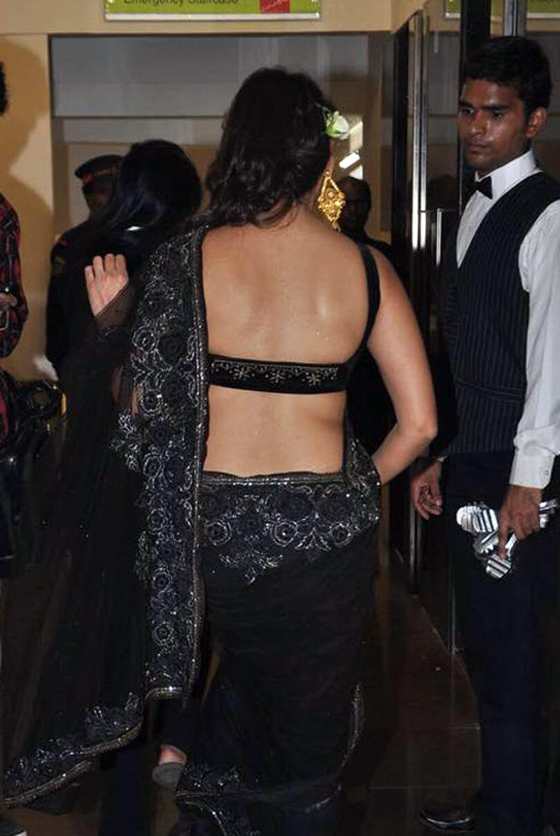hot south indian actress manjari phadnis navel images in black saree