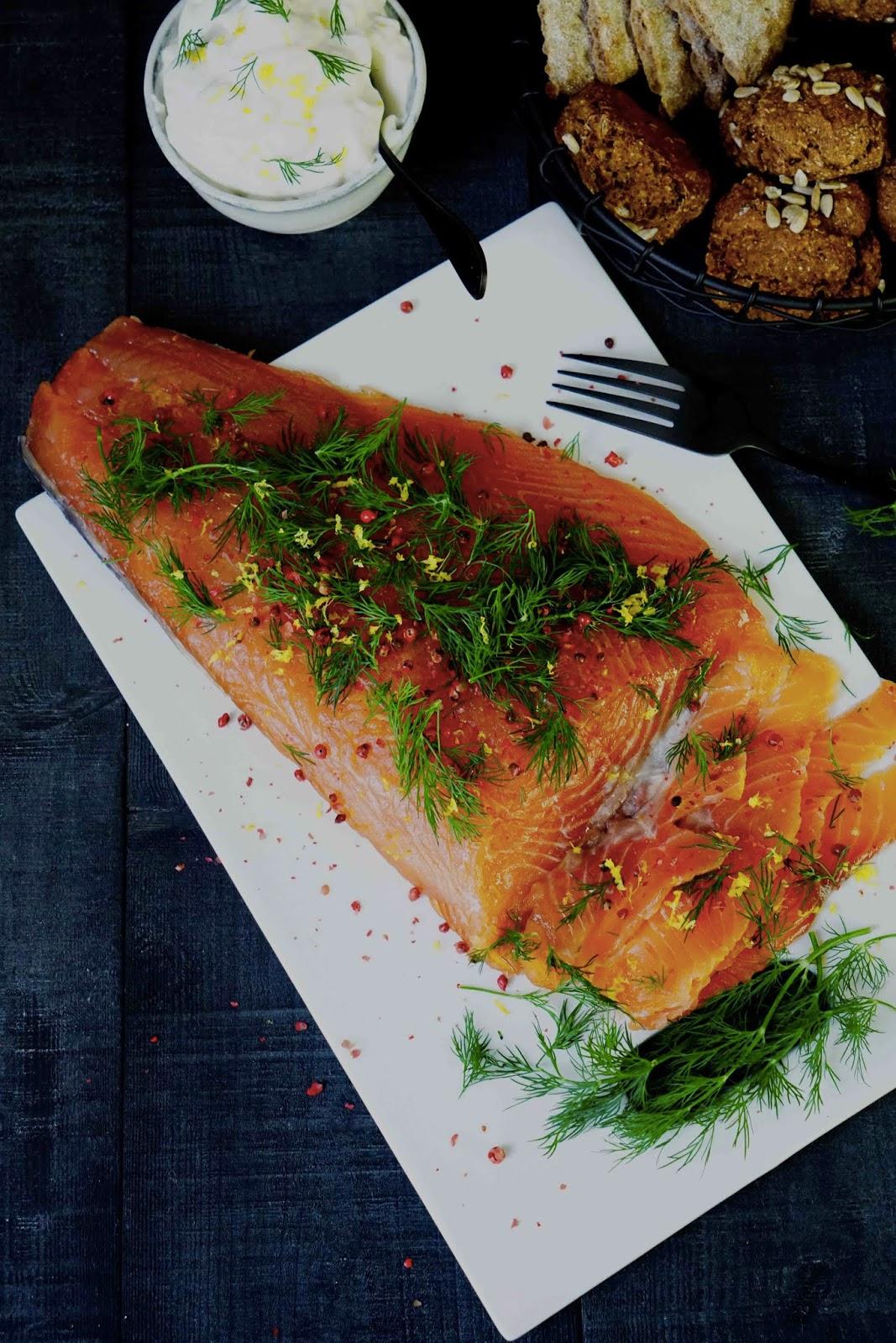 entrée de Noël , saumon mariné à la scandinave , gravlax , recette facile