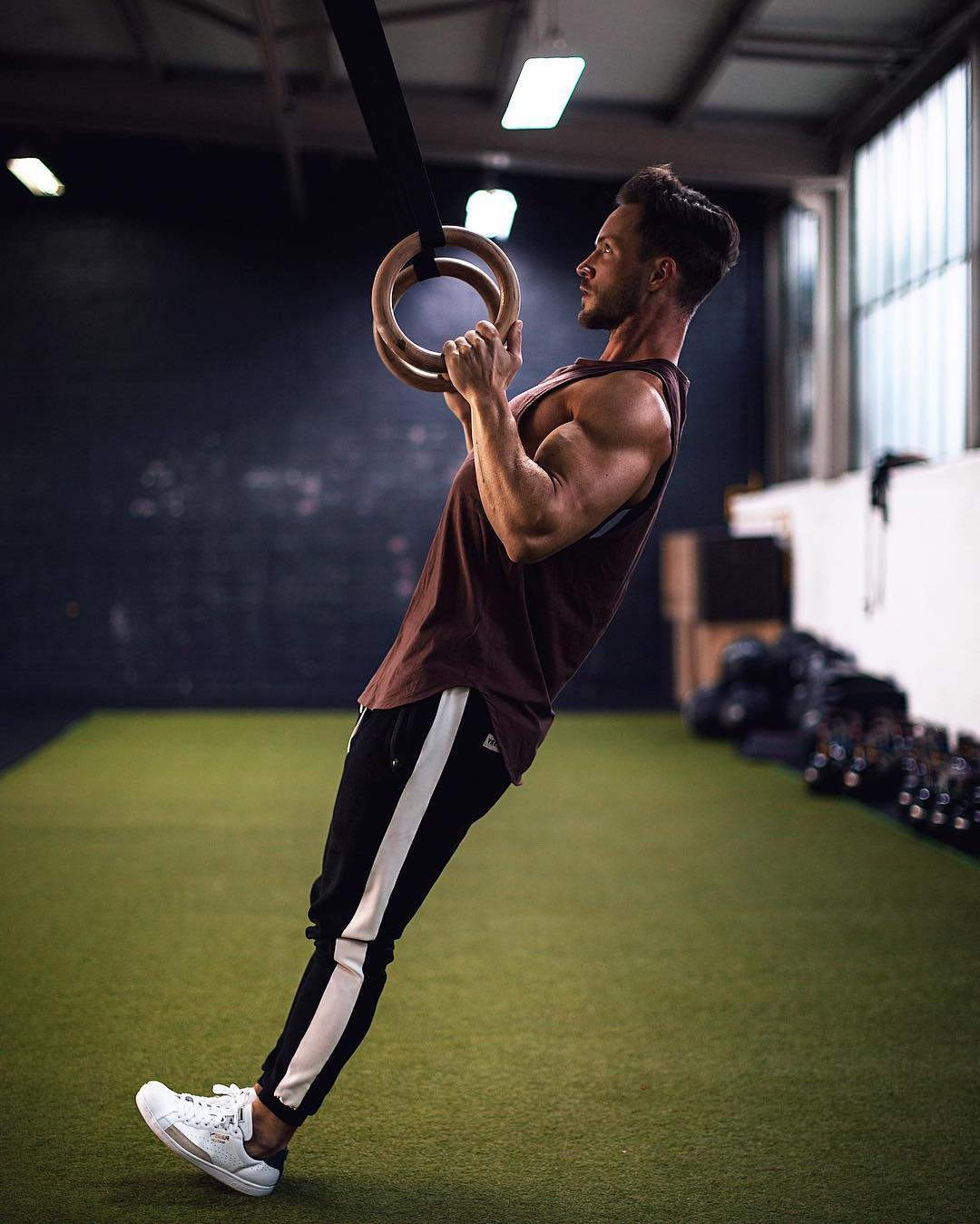 strong-hot-guys-training-biceps-gym