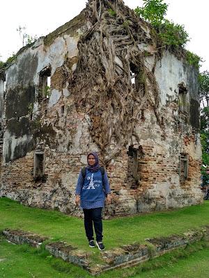tempat wisata di tanjungpinang, pulau penyengat, gedung gonggong, vihara patung seribu