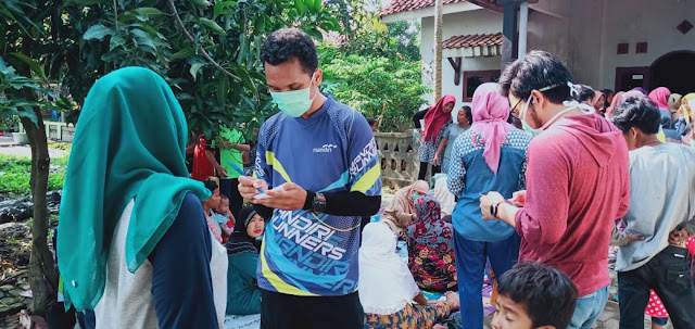 Youth Islamic Study Club Al Azhar Laksanakan Baksos Kesehatan di Muaragembong