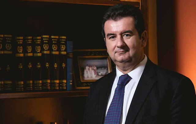 Ο Πρόεδρος του Μοναστηρακίου ευχαριστεί τον Ιωάννη Μαλτέζο