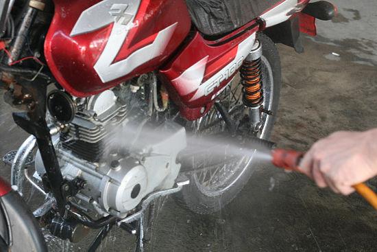 Tips Peluang Bisnis Cuci Motor