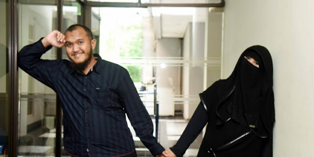Caisar 'Yuk KeepSmile' Kembali Jadi Artis, Sang Istri Jatuh Sakit dan Tulis Pesan 'Misterius'