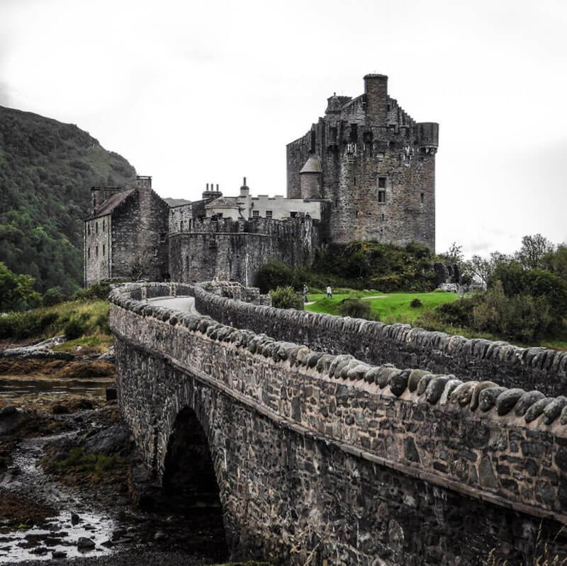 32 Stunning Places on Earth You Should Visit Before You Die - Eilean Donan Castle, UK