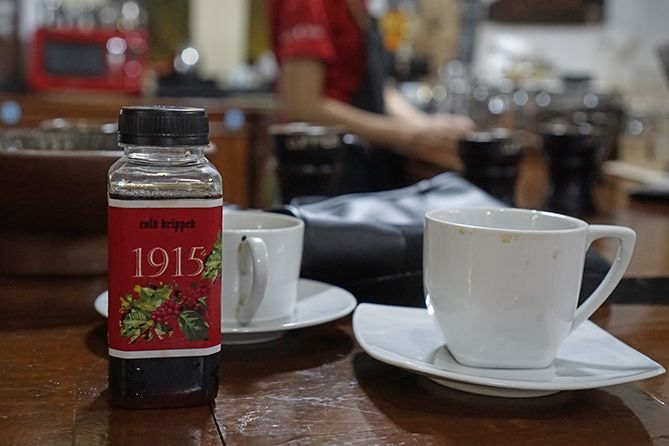 Minuman di 1915 Arts-Koffie-Huis Salatiga
