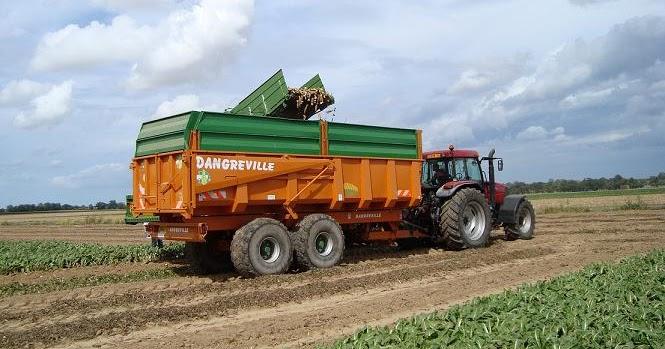 Conducteur d'engins agricole OMA7-14 - L'emploi et les ...