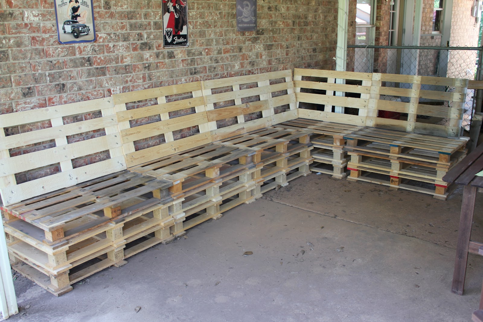 diy sofa from pallets homelegance cranley double reclining brown leather and loveseat set outdoor patio furniture