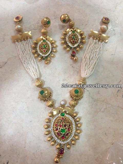 Pearls Necklace with Meena Work Pendant