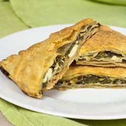 Grčka pita od domaćih kora sa spanaćem i fetom