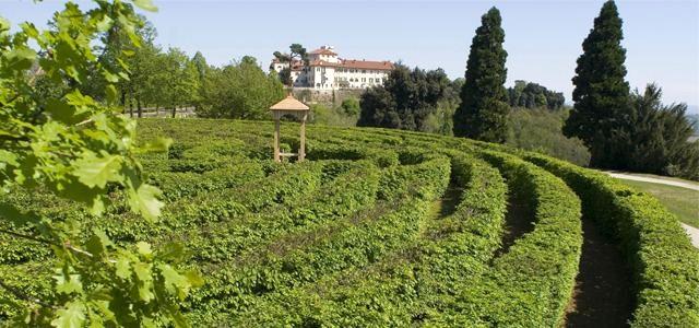 Castello-parco-labirinto-Masino-Caravino