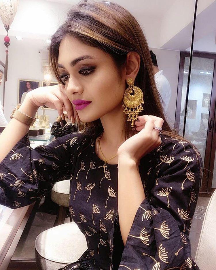 Sreejita De Sexy looking Image