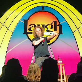 Picture of Josh Blue performing in the stage