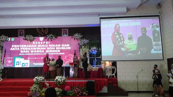 Penyerahan Akte Buku Nikah Non Muslim Kabupaten Jember Bupati Serentak 11 Kecamatan secara Daring Dan Luring.