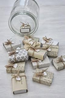 carta da giornale per regali originali e creativi