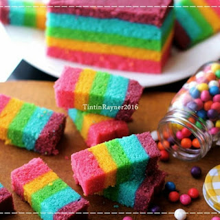 Ide Resep Membuat Rainbow Cake Kukus aka Steamed Rainbow Cake Colourful