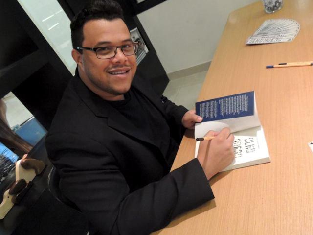 Paulo Sérgio Moras Escritor Autor Livro Olho Grego Literatura Brasileira