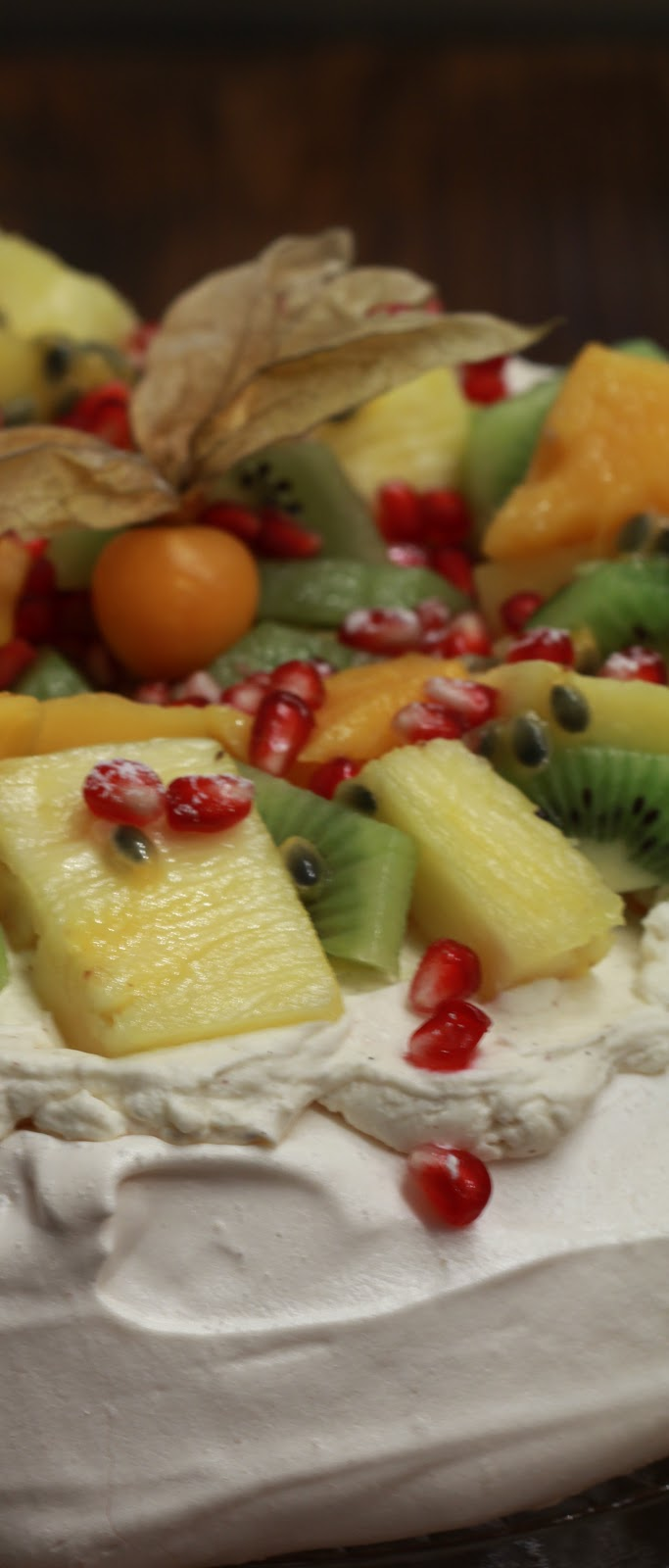 recette australienne pavlova aux fruits exotiques et. Black Bedroom Furniture Sets. Home Design Ideas