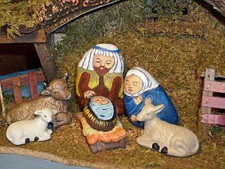 painted rocks, nativity set, stable, Cindy Thomas