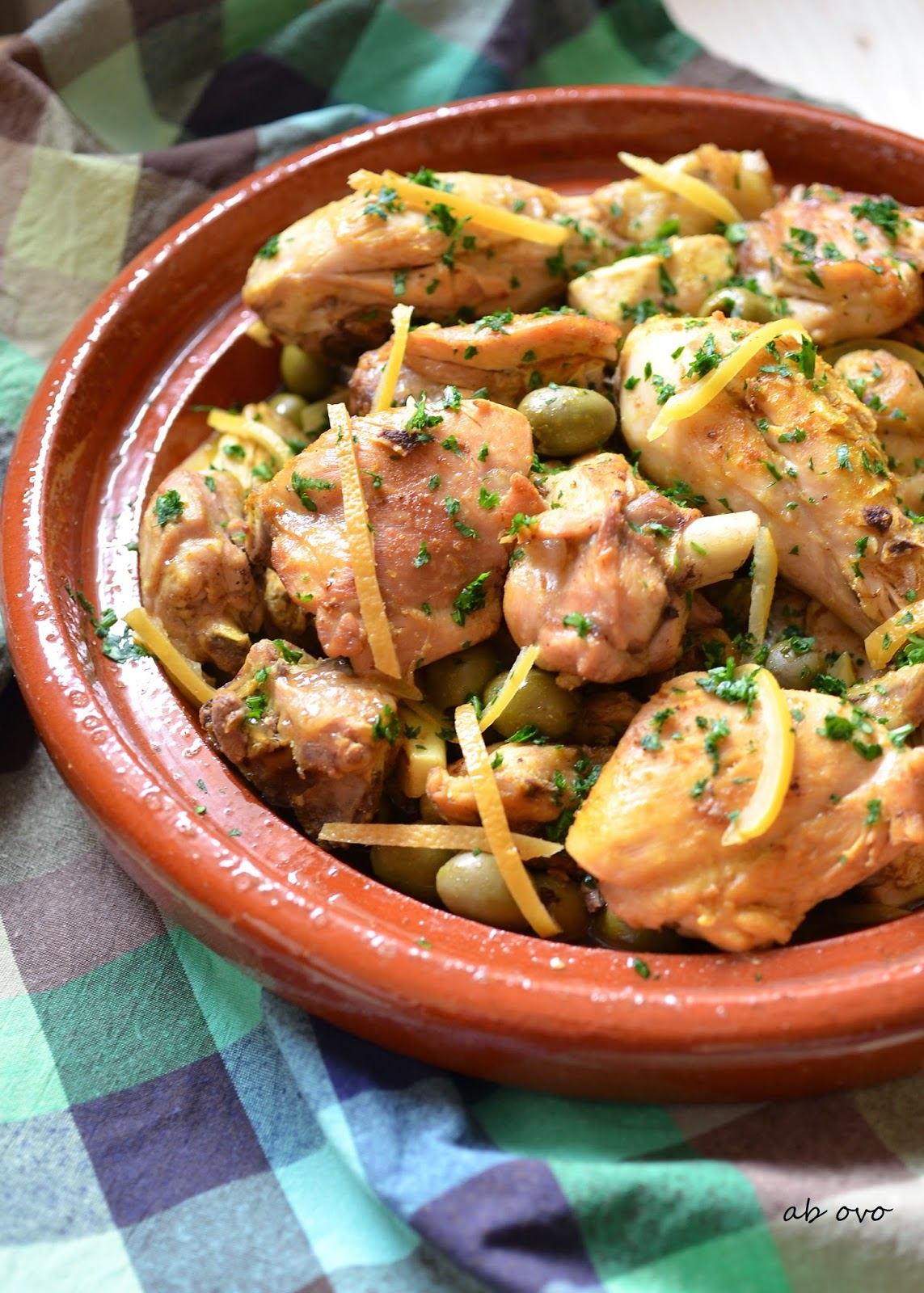 tajine di pollo con olive verdi e limoni confit
