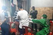 Serbuan Vaksinasi TNI Malam Hari Dipimpin Danramil 04/Cengkareng