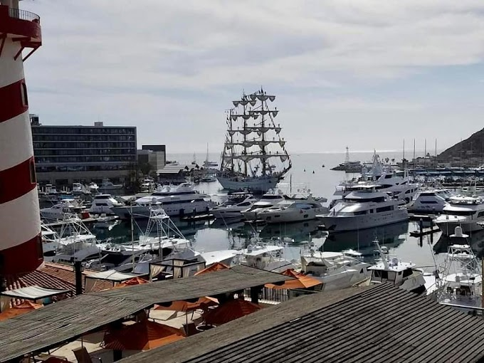 Crowd welcomes Mexican tall ship to Cabo San Lucas