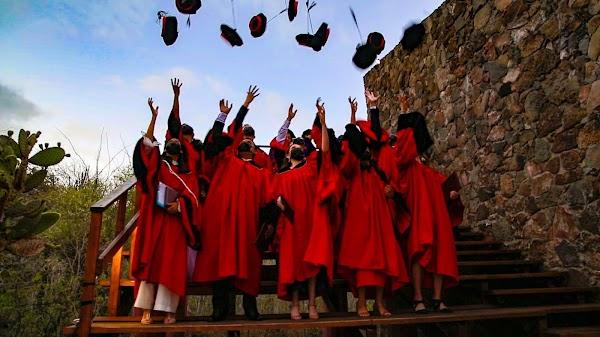 Una tarde de agradecimiento y celebración en la graduación de la Primera Cohorte de la Clase 2021 USFQ Galápagos