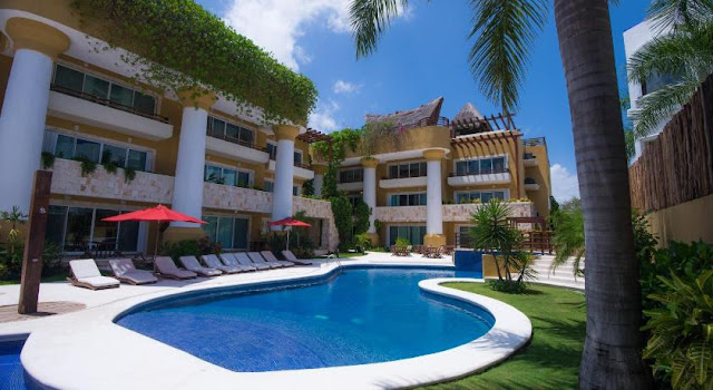 Facing the crystalline waters of the Riviera Maya, Pueblito Escondido Luxury by Mistik emerges in the midst of the vibrant atmosphere of Playa del Carmen as one of the most luxurious hotels, that enrich the uniqueness of the destination.