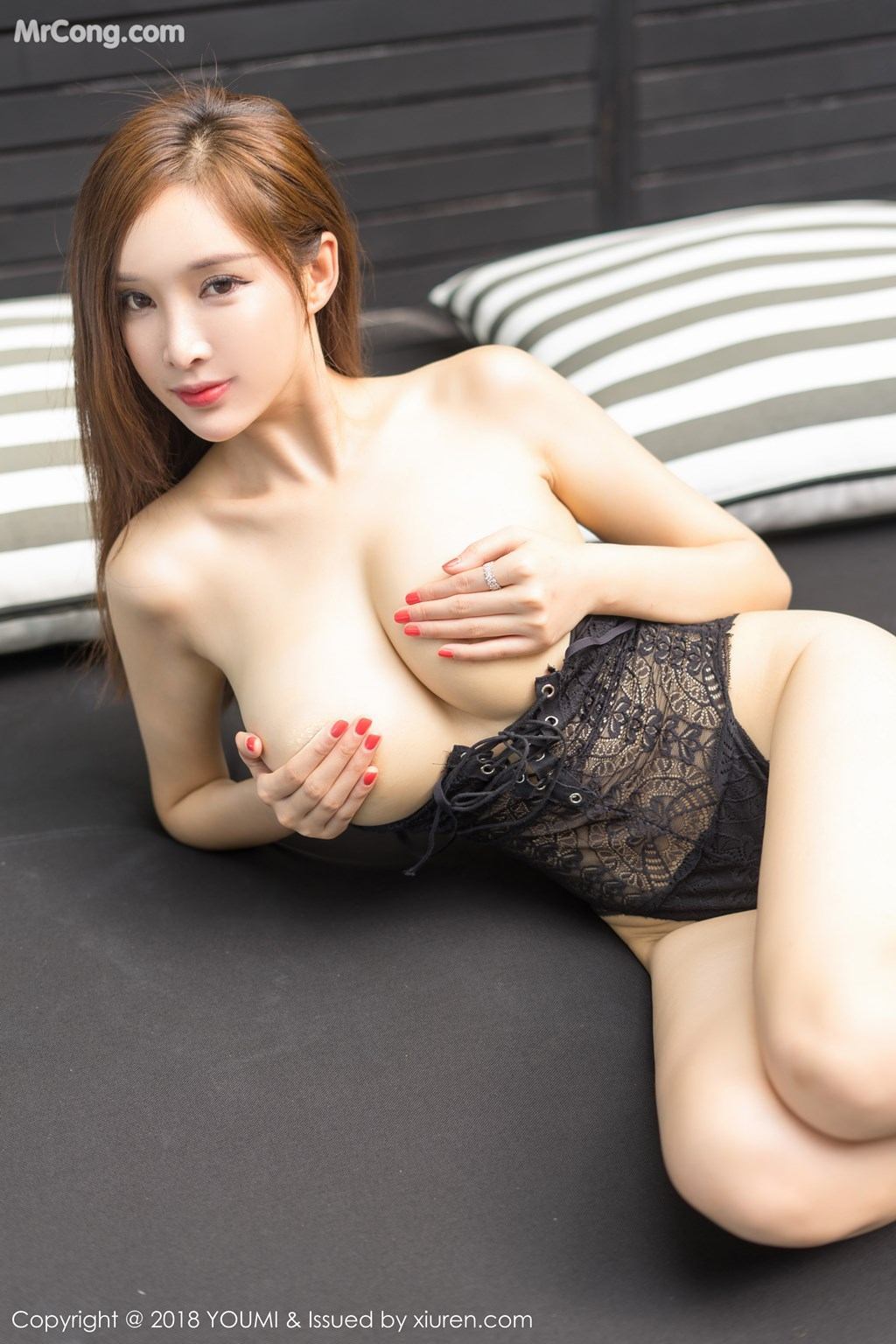 Image YouMi-Vol.213-Tu-Fei-Yuan-Ai-Cuo-Qiong-MrCong.com-006 in post YouMi Vol.213: Người mẫu 奶瓶土肥圆 (50 ảnh)