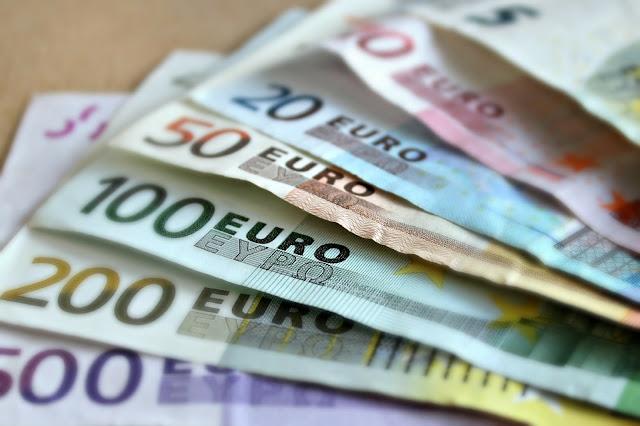 Euro fell against the U.S. dollar - rictasblog