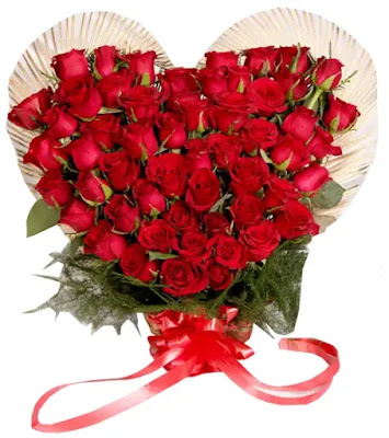 باقة ورد حمراء  قلب حب