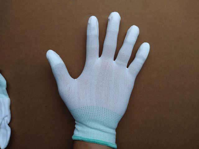 găng tay pu phủ ngón trắng mỏng, thoáng dễ thao tác