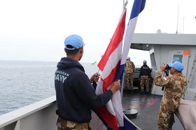 KRI Sultan Hasanuddin-366 Latihan Bersama Dengan  Kapal Perang Bangladesh